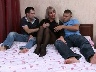 elaine russiane milf pierced by two guys