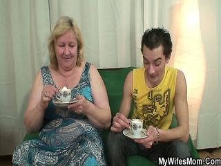 he gang-bangs her huge mature babe and gets busted