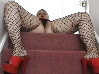 chubby uk milf chick posing in brown fishnets