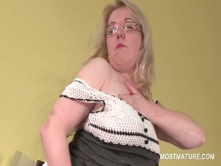 pussy masturbation with busty albino older into