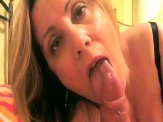 dilettante european woman engulf dingdong