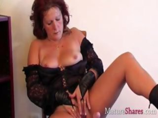 dirty mature chick dana into solo