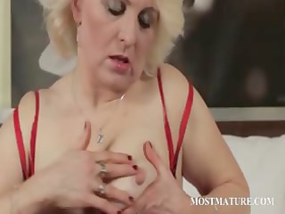 cougar blondie fist gang-bangs lusty vagina