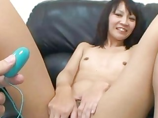 japanese chick tomoe kasai slides inside a uneasy