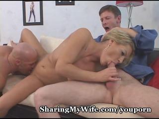 threeway housewife sharing
