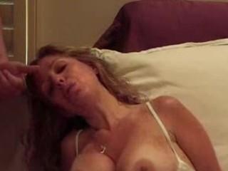 mature pushing dildo and blowjob