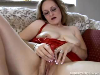 frigging pretty fat mature babe
