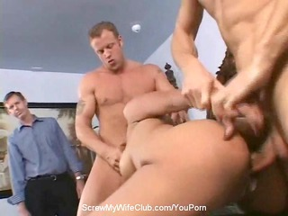 bottom 3some with swinger housewife