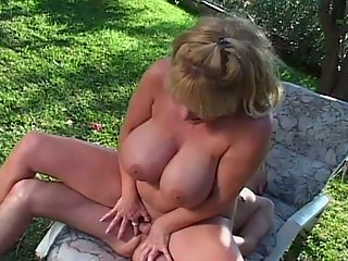 huge tit lady outdoor sex in hooter nation