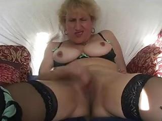 mature slut fist gang-bangs her pussy