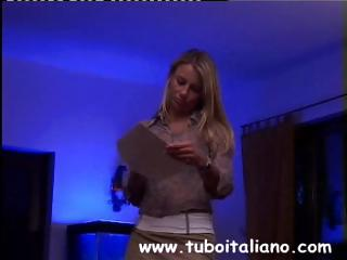 federica tommasi is a mature housewife who mils