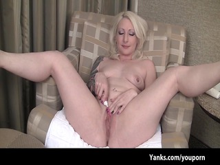 solo experienced mature babe