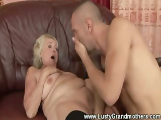 hairy bbw elderly cave pleased and likes it