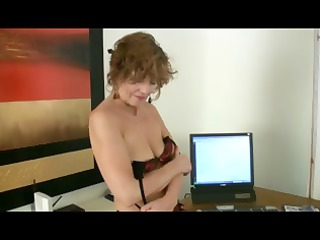 older milf into seamed nylons goes naked and hand