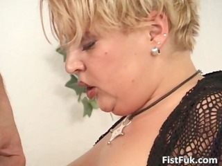 plump mature blonde takes her pussy
