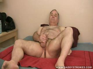 daddy sammy jerking off his cougar penis