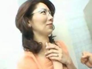 japanese mature babe drilled inside tub