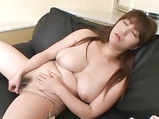 bouncy bossom on japan cougar chick kumi shibahara