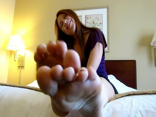 mother id enjoy to bangs soles & purple toes