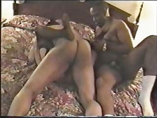 older slut obtains on 2 bbc inside hotel