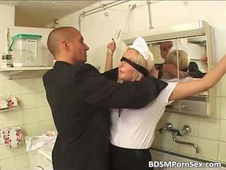 pale elderly milf got drilled and t0rtured