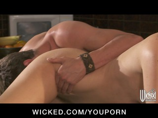 awesome ballgame chick india summer fucks her