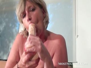 mommy porn toy drilling her hungry twat