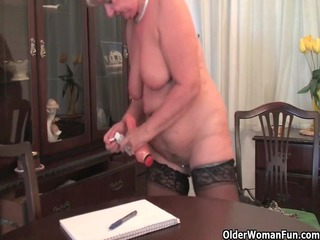 fat old into nylons plays with fake libido