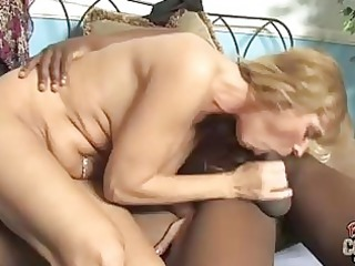 bleached momma with large happysacks tasting