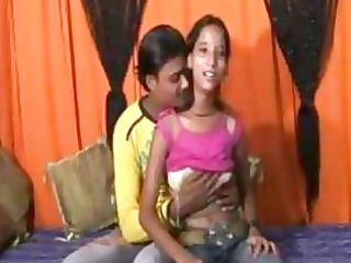 an 18 time mumbai pretty girl doing porn with her