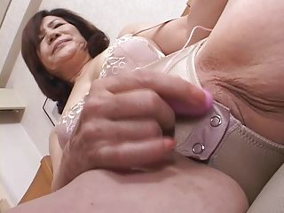 dildoing japanese gran part1