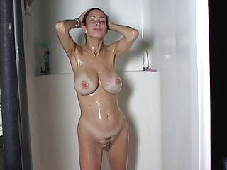 big breast milf bath