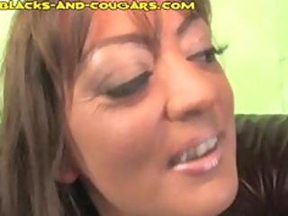 lady pays blacks with head