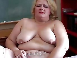 heavy milf teacher has a charming little wank