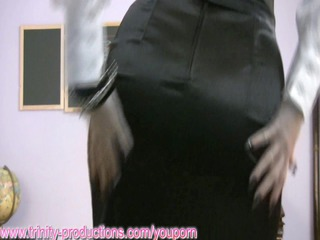 naughty cougar chick coach dildoing on fuck