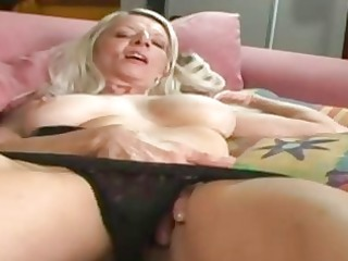 grancougar chick rubbing her wet vagina after