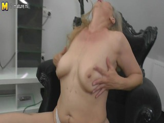 aged mother pushing plastic cock watching xhamster