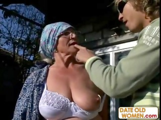 old gets reamed by inexperienced stud open-air