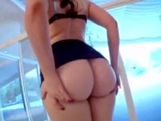 giant bottom women - caroline bang