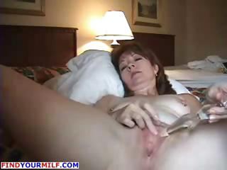 slutty cougar wife bottom masturbating