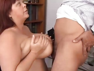 huge boobs cougar bbw adores to lick penis