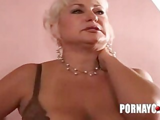 elderly fat chick gives penis licking and