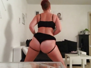 grown-up pawg dance and slap her ass tiny