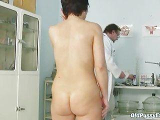 cougar slut elea visits gyno doctor to obtain