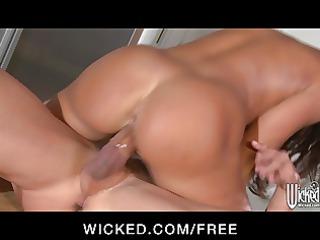 wicked chick line amanda invites worker inside