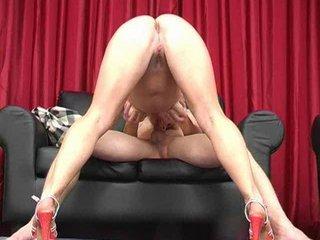 hot butt lady blows fresh dick