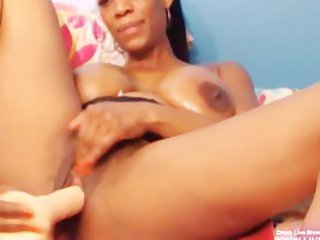 naughty black mature girl naomi pleases her ebony