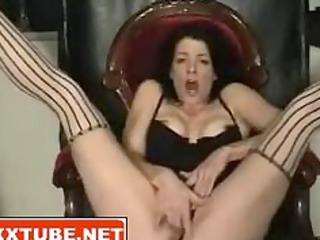 brunette babe squirts vagina juice