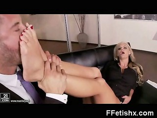legs enjoy older into voluptuous enjoy porno