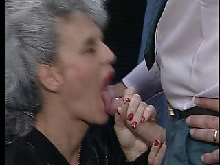 elderly gives a good fellatio